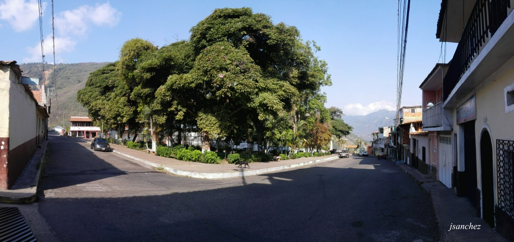 Plaza Caceres